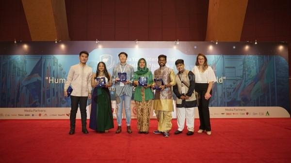 Mahasiswi Hubungan Internasional Gaet Penghargaan Best Position Award dalam Asia Youth International Model United Nations di Putrajaya, Malaysia