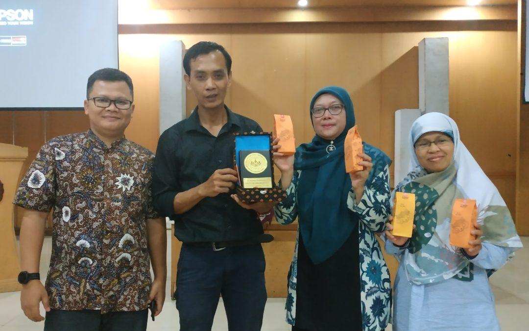 Kuliah Praktisi: Belajar dari Yuri Dulloh, Pendiri Yuam Roasted Coffee